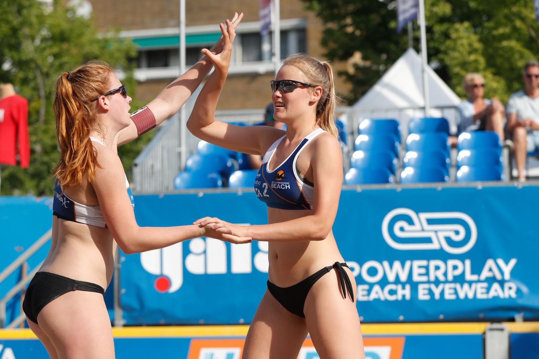 PowerPlay Athlete Nadine Everaert en Serena van der Made